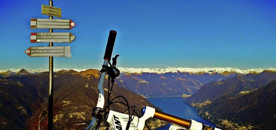 mountain-bike-on-lake-como